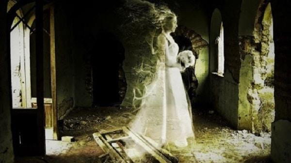 abito da sposa di Anna Baker